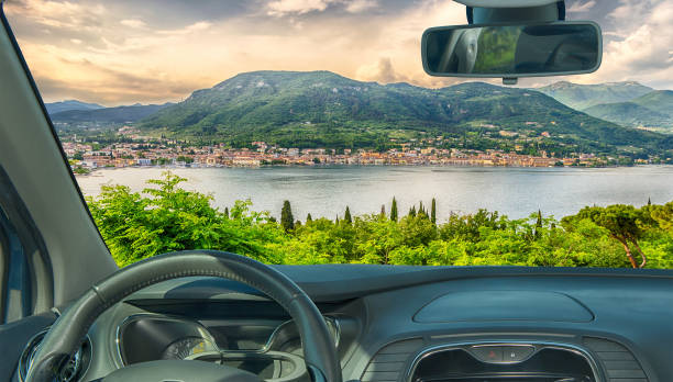 Car windshield with view of Salo town, Lake Garda, Italy - foto stock