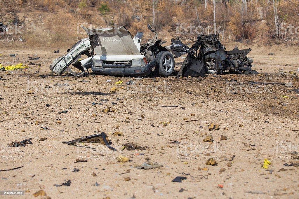 Auto Schiffbruch und Teile von Auto Bombe – Foto