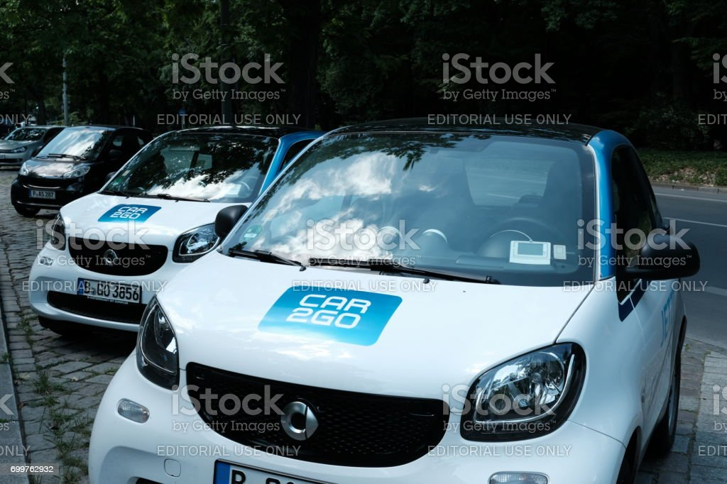 Coches Smart Car2Go - Foto de stock de Alemania libre de derechos