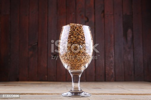 872334598 istock photo Caramel malt in a glass 513320696
