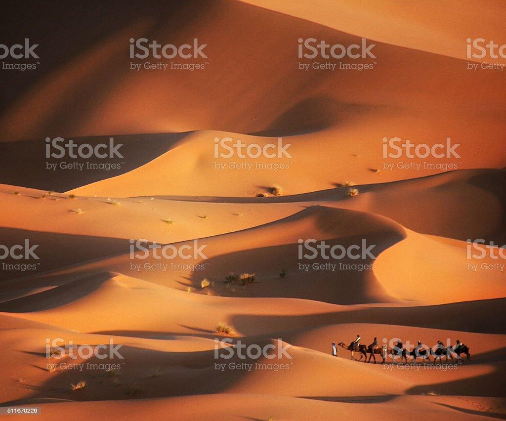 Namiot w pustyni, Merzuga, Maroko – zdjęcie