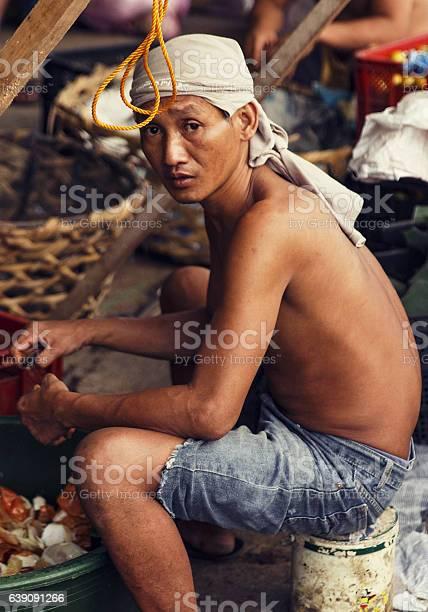 Carbon market workercebu picture id639091266?b=1&k=6&m=639091266&s=612x612&h=4hg834ito7fhbco4rzzma8ytopuguluqtzc4eryvztw=
