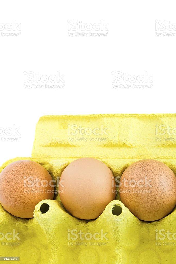 Scatola di cartone con uova. foto stock royalty-free