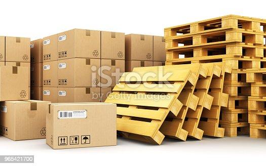 Cardboard Boxes On Shipping Pallets - zdjęcia stockowe i więcej obrazów Białe tło