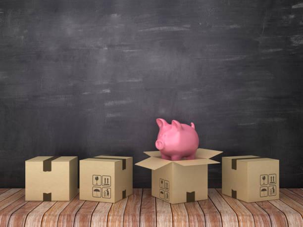 cajas de cartón con alcancía en la habitación-fondo de pizarra-renderizado 3d - suministros escolares fotografías e imágenes de stock