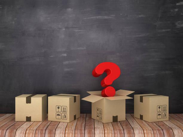 cajas de cartón con signo de interrogación en la habitación-fondo de pizarra-renderizado 3d - suministros escolares fotografías e imágenes de stock