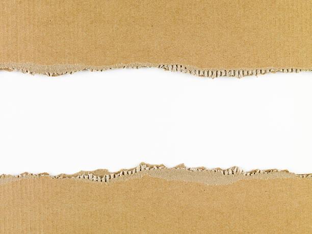Zerrissenen Karton in der Mitte – Foto