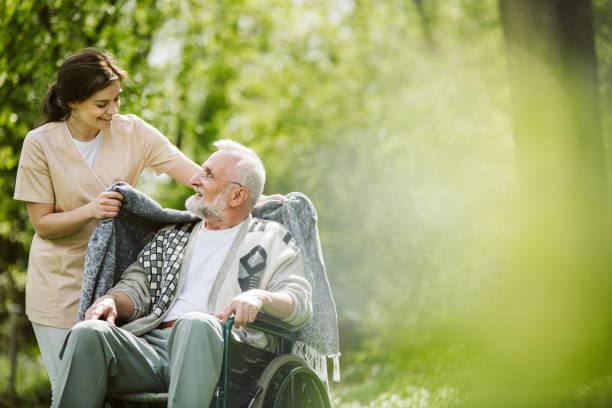 Sorgfältige Pflege des Patienten – Foto