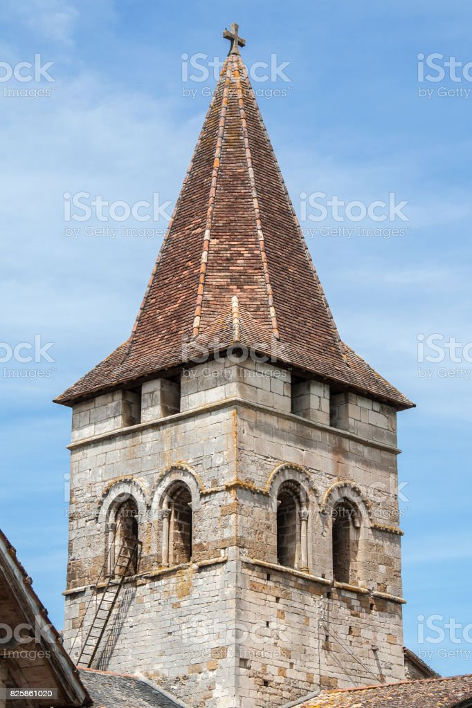 Carennac. Clocher de l'église saint Pierre, Lot, Occitanie stock photo