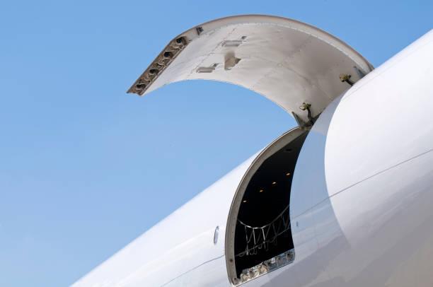 Transporte aéreo de carga - foto de stock