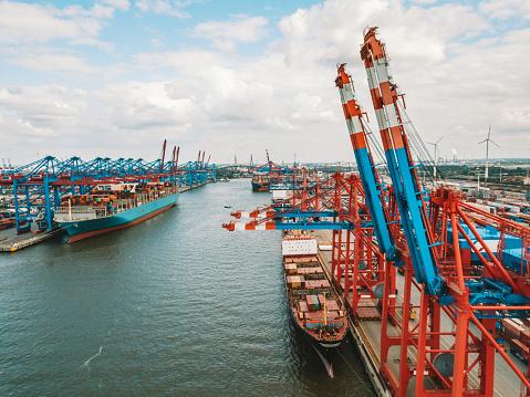 Cargo crane container terminal