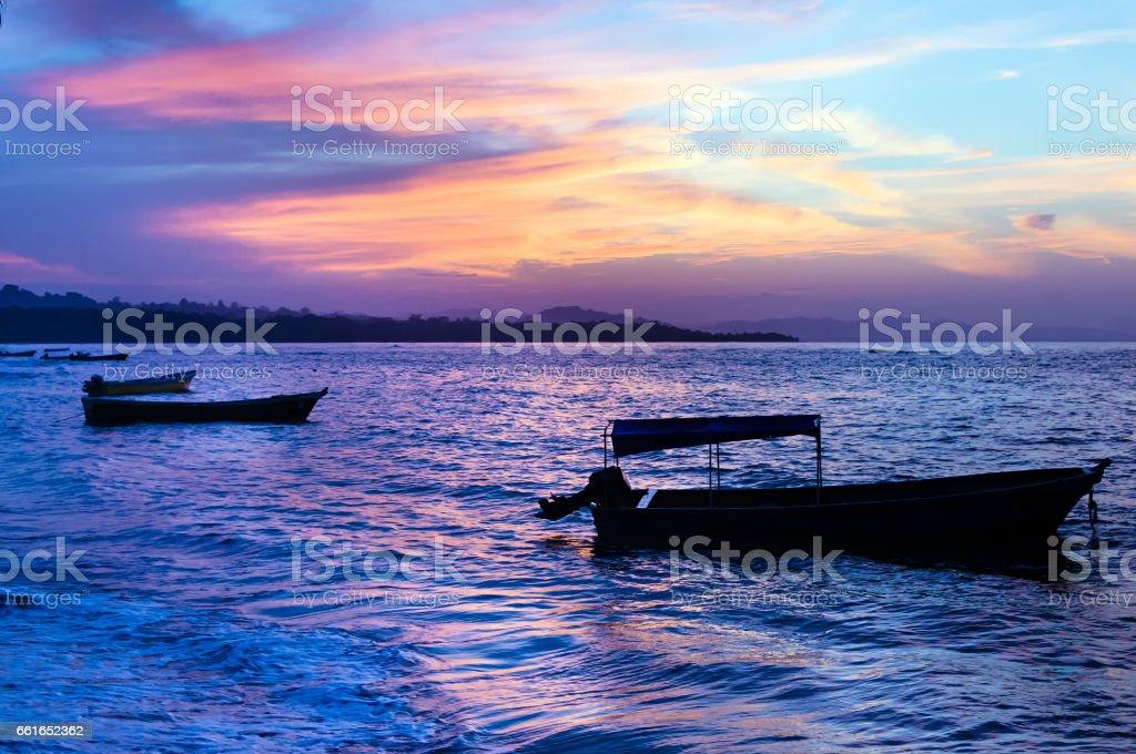 Karibische Meer bei Sonnenuntergang – Foto