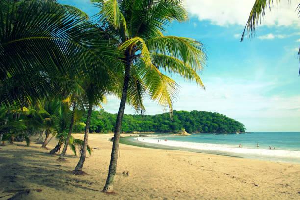 carillo strand in guanacaste, costa rica - costa rica stockfoto's en -beelden