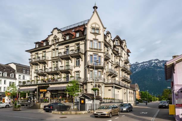 carlton-europe hotel, interlaken, schweiz - hotel bern stock-fotos und bilder