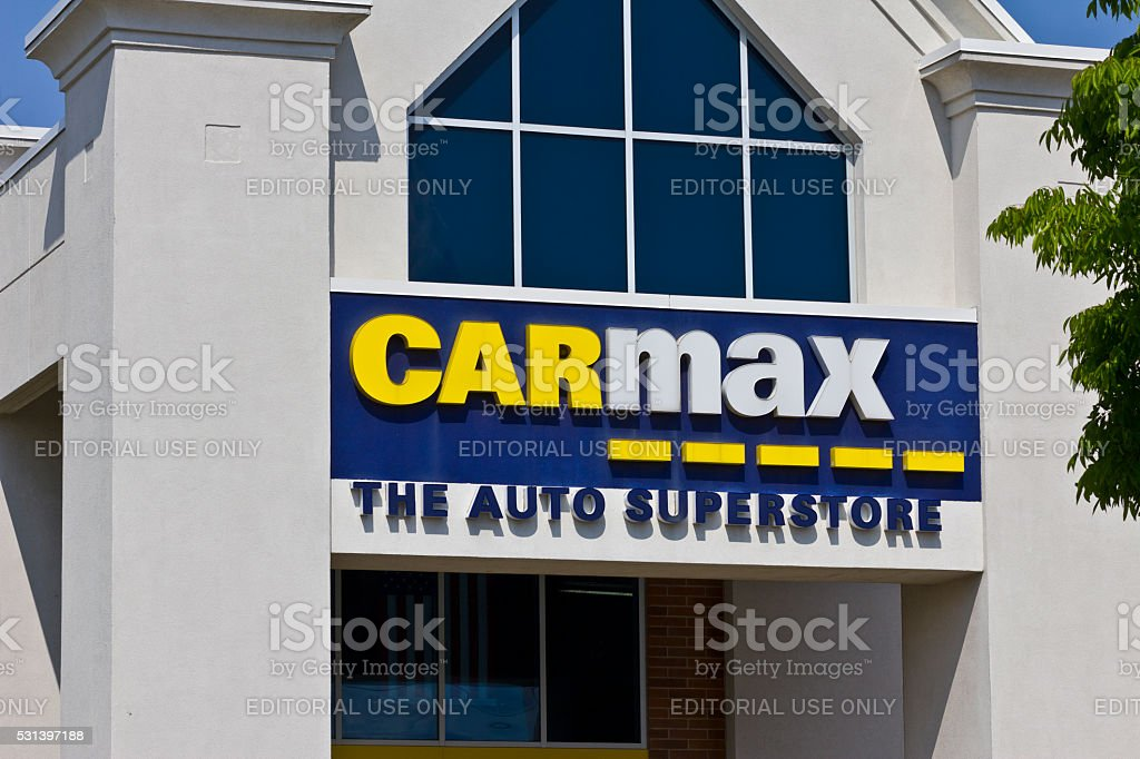 Indianapolis - May 2016: CarMax Auto Dealership II stock photo