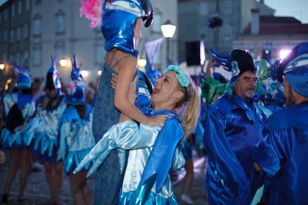 karneval in cres - cro maske stock-fotos und bilder