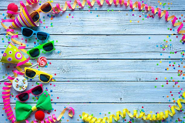 karneval-hintergrund - faschingssprüche stock-fotos und bilder