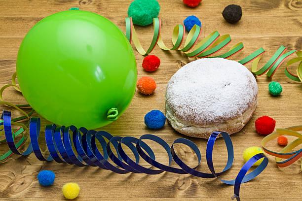 karneval-donuts - fasnacht stock-fotos und bilder