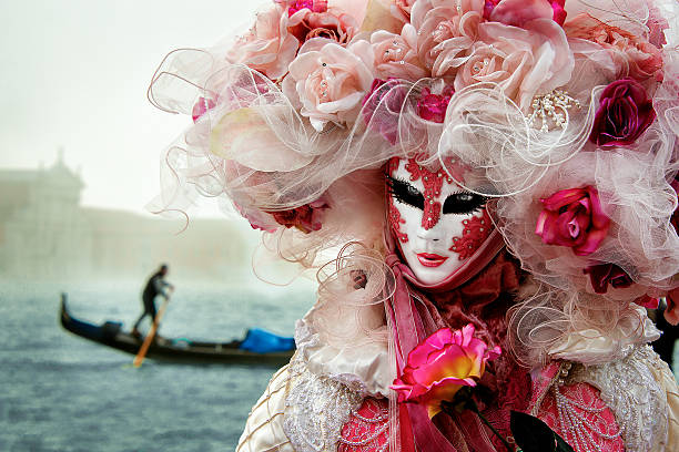 masque de carnaval, princesse de rose, venise - black beauty photos et images de collection