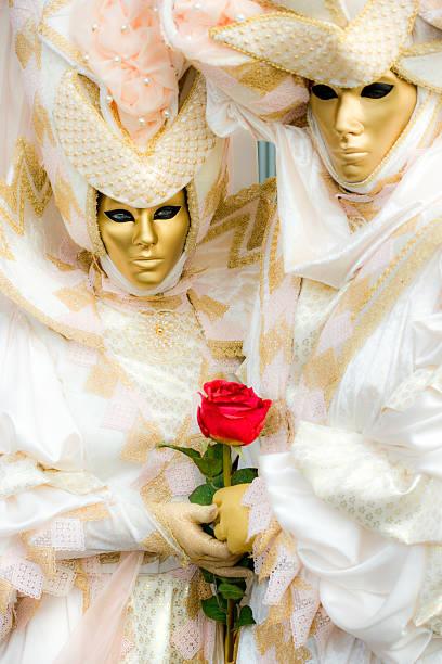 karneval masken in venedig. - rosa camo party stock-fotos und bilder