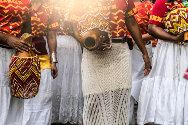 karneval-parade - sambatrommeln stock-fotos und bilder