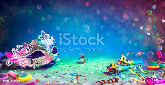 Carnival - Colorful Streamer Party Confetti And Mask