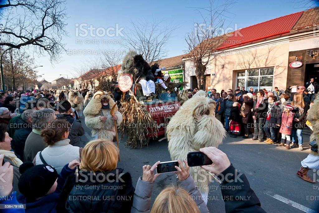 Carnaval prosession avec voiture et masker Carnaval - Photo