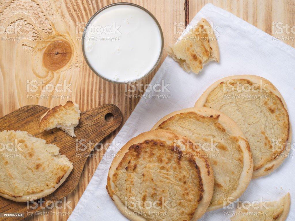 Weihnachtslieder Bäckerei.Weihnachtsliederkäsekuchen Mit Kartoffeln Stockfoto Und Mehr Bilder