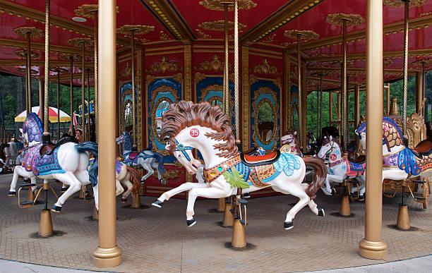 karussell pferd (merry-go-round) - karussell stock-fotos und bilder
