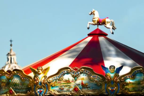 carrousel - josianne toubeix photos et images de collection
