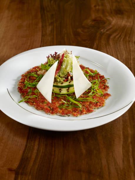 vittore carpaccio - carpaccio salat stock-fotos und bilder