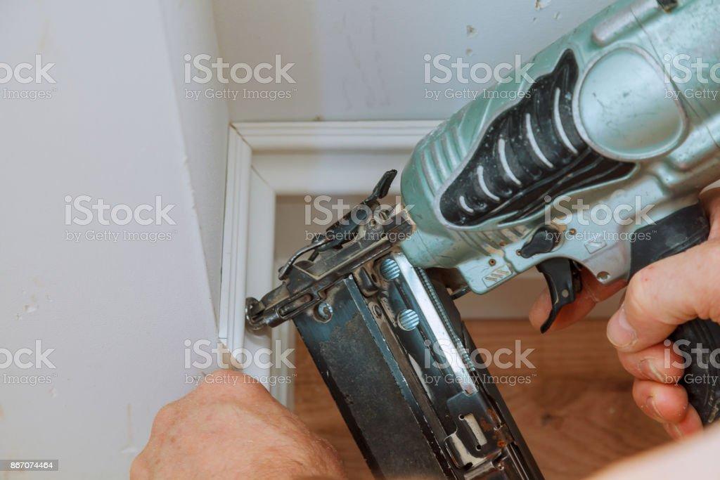 Fotografía de Brad Clavo Pistola Para Encuadre De Ajuste Con La ...