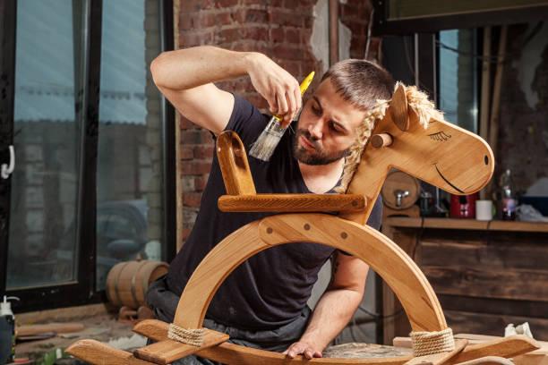 marangoz boya oyuncak stok fotoğrafı