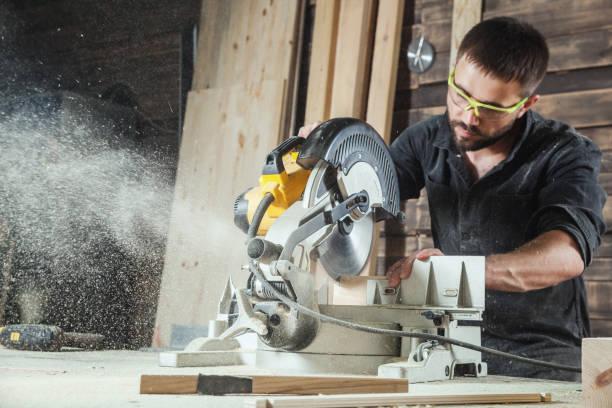 marangoz bir daire testere testere stok fotoğrafı