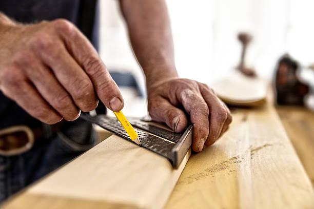 carpenter square - schreiner stock-fotos und bilder