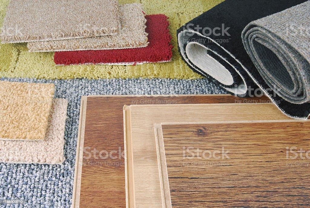 Carpete e piso laminado escolha para interiores - foto de acervo