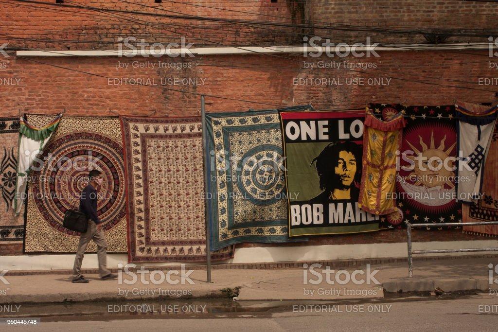 Tapijt verkopen In Nepal straat foto