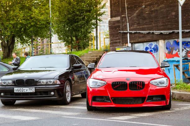 autos bmw 5, 3, 6, x3, x5, x6 serie, deutsch - bmw x5 stock-fotos und bilder