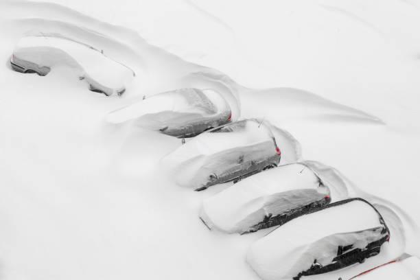 Cars covered in snow picture id907853940?b=1&k=6&m=907853940&s=612x612&w=0&h=bpqsn6hztzqjxwc9mb7l7nh7s g9smidwluqwgupkvy=