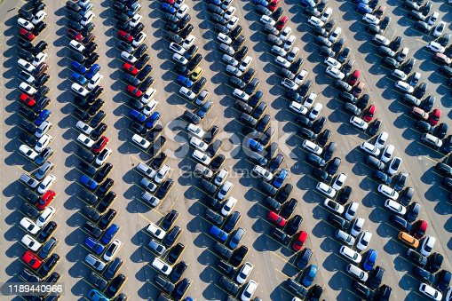 652712094 istock photo Cars in a Parking Lot from Above 1189440966