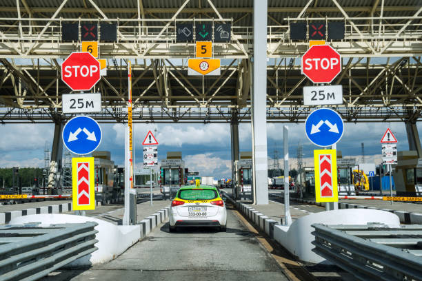 Cars on the highway of toll station – Foto