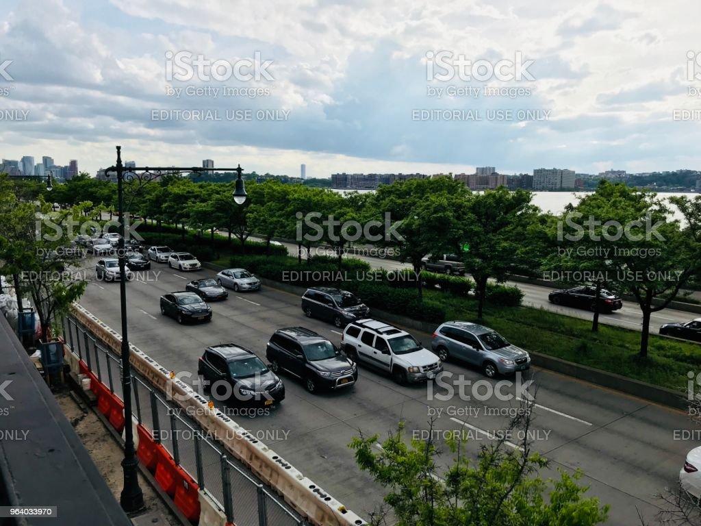 ニューヨークでは、道路上の車 - アメリカ合衆国のロイヤリティフリーストックフォト