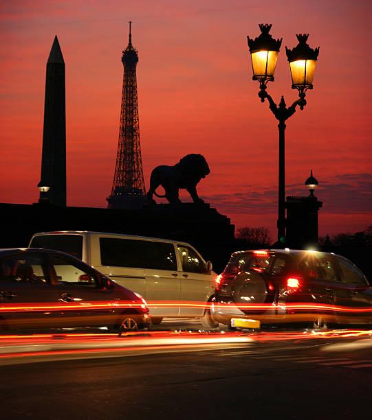 Cars on the street picture id144810221?b=1&k=6&m=144810221&s=612x612&w=0&h=r6f04lg zx06 xktfjv cgqhotsyvvl0loetcrzw0h0=