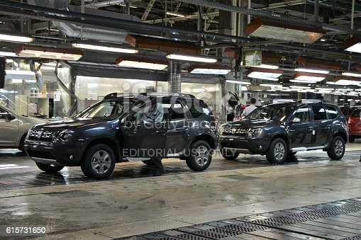 657996382 istock photo Cars production line 615731650