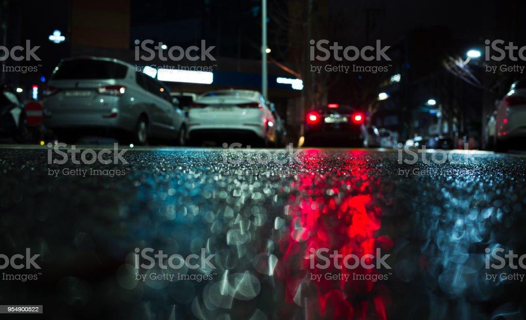 Autos rote Stopp Lichter Reflexion auf nassem asphalt – Foto