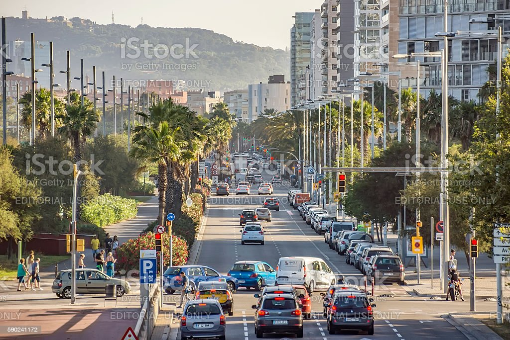Cars traffic on Barcelona street - Foto de stock de Aire libre libre de derechos