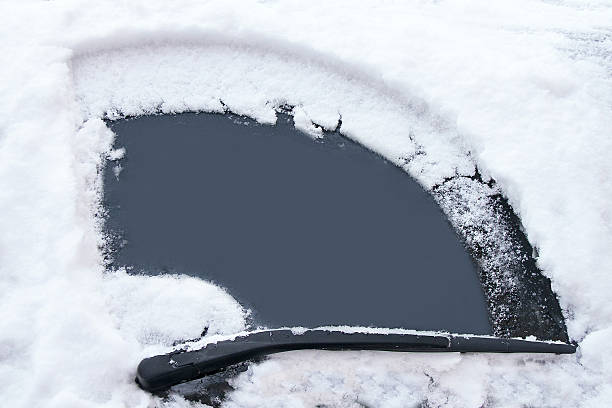 Cars window has been cleaned from snow by wipers picture id527075889?b=1&k=6&m=527075889&s=612x612&w=0&h=yqpoyopg1mhd9qz72 hgpdlb6gxjbembx2q02nsynck=