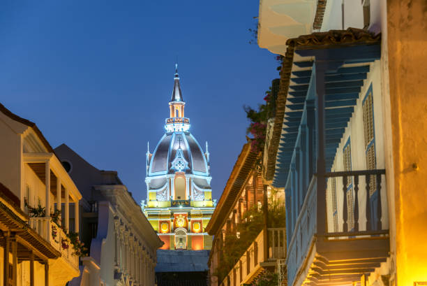 cartagena cathedral at night - unesco foto e immagini stock
