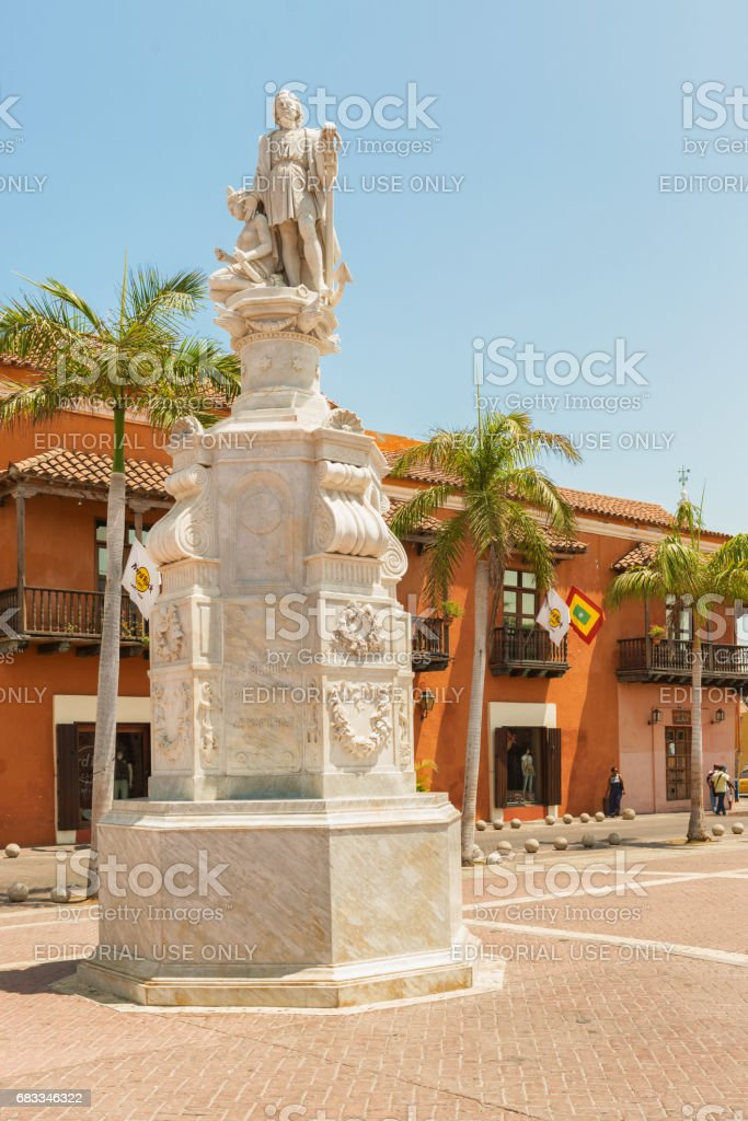 Cartagena, Plaza Aduana, 'La Heroica' memorial to Christopher Columbus stock photo