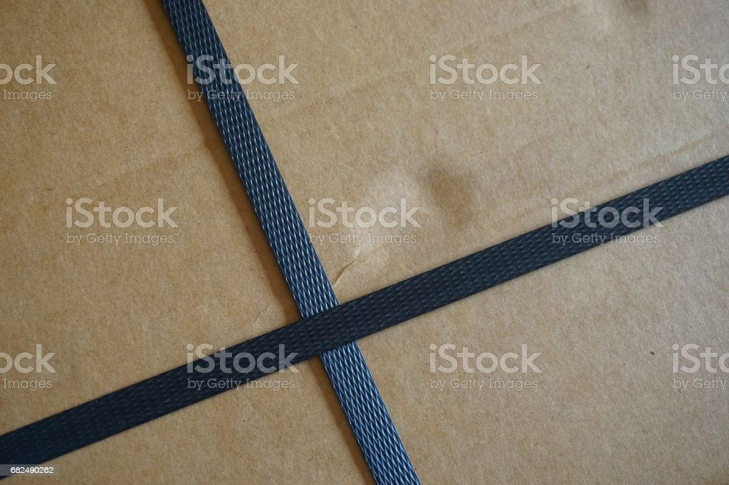 carton box with straps foto de stock libre de derechos